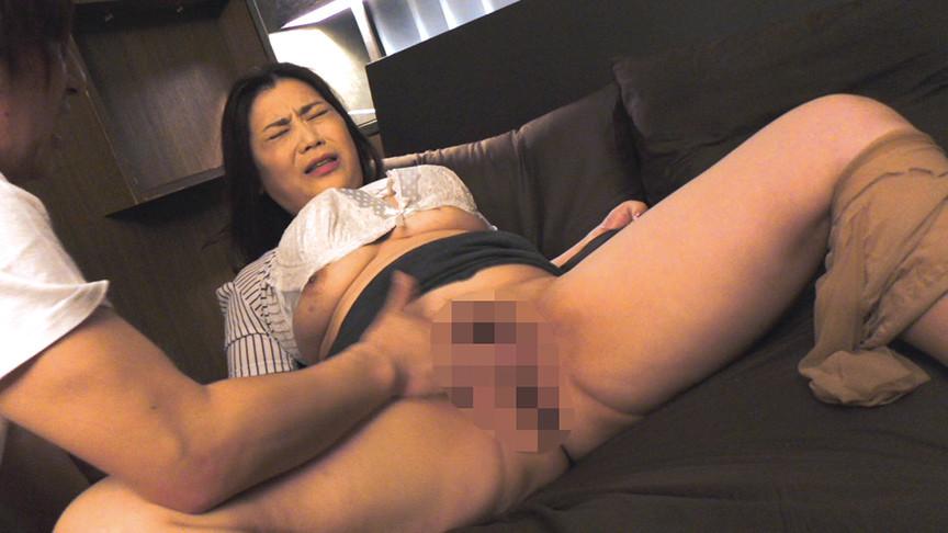 熟女×巨乳×10人 肉厚イカされ交尾180分 画像 4
