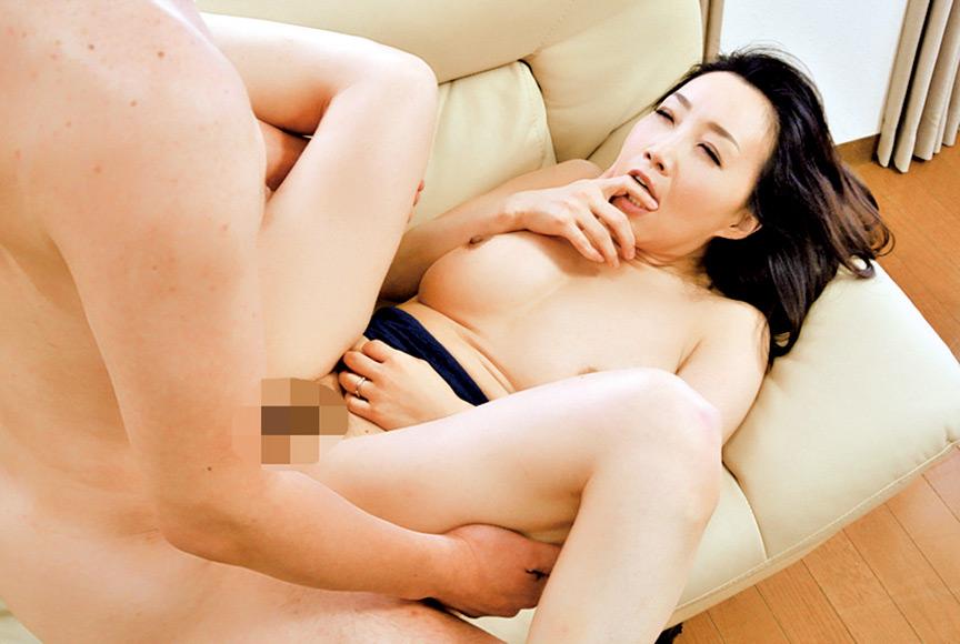 極上熟女 桐島美奈子 誘惑の美肉 画像 9