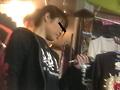 鞄直撮りパンティーのサムネイルエロ画像No.3