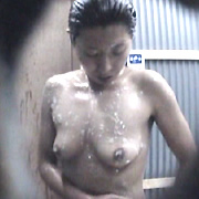 真夏の水着ギャル!! シャワールーム編9 Part2
