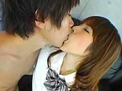女子校生の甘くて濃密な接吻生活