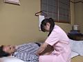 某温泉旅館 センズリを見る按摩師たち5のサムネイルエロ画像No.4