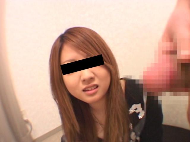 【無修正】ロリ顔美女のオチンポ舐める顔がめっちゃ可愛い