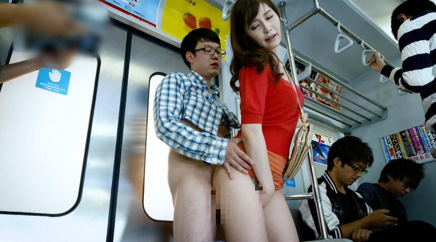 満員電車で発情素股されちゃって…
