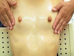 貧乳:乳首を抓るとビクンビクン 乳首ビンビン微乳娘