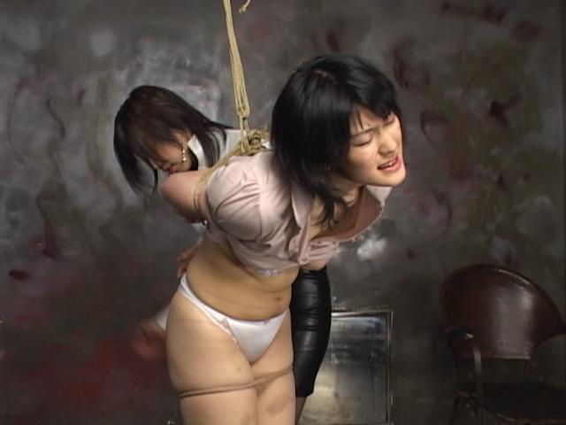 清純お嬢様を肉奴隷化!女王様による過激調教! ゆか