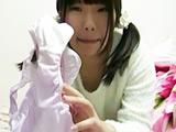 新着投稿!マニア絶賛!シミパン自撮りでリモート報告 【DUGA】
