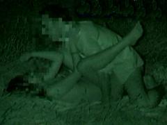 夏の夜の野外SEX! 赤外線カメラでモロ見え盗●