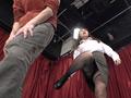 美脚美女が足でチンポをシコシコしてくれる生放送-2