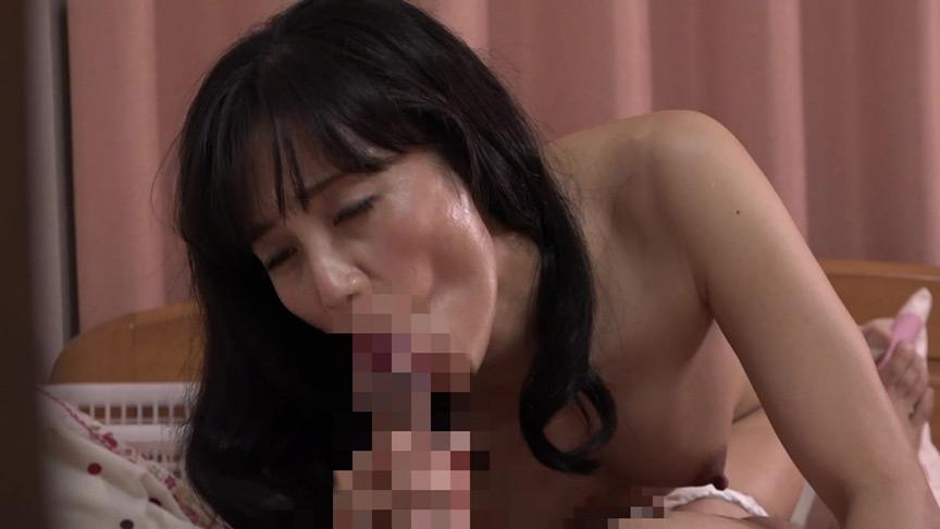 思わずガマン汁を滲ませた熟女のフェラチオ40連発 画像 20