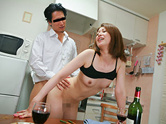 酔っぱらった欲しがり熟女10人がマ●コさらして濃厚SEX