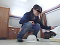 素人ナンパトイレ号がゆく 大阪では友達とツレション 画像 12