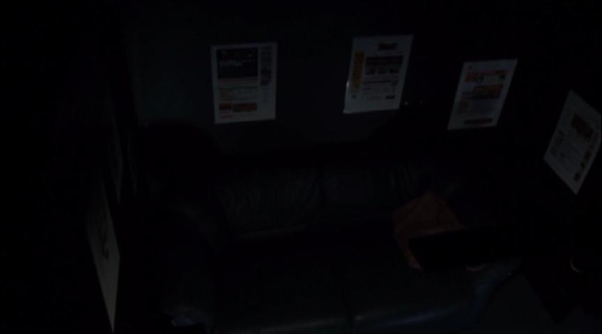 池袋 個室ネットカフェ 素人20代 深夜激イキオナニーのサンプル画像