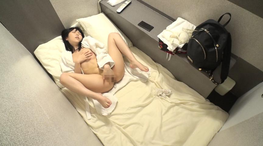 女性専用カプセルホテルオナニー盗撮 画像 10