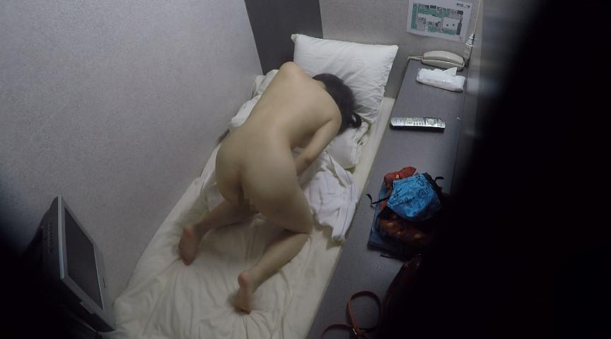 女性専用カプセルホテルオナニー盗撮 画像 18