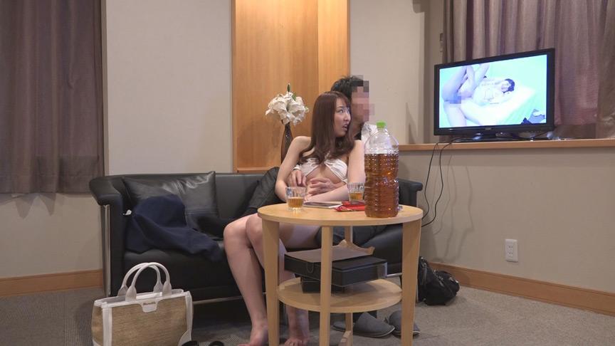 初対面の素人夫婦がスワッピングゲームに挑戦! 画像 2