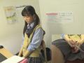 0001 - 【盗撮動画】アヘ顔で逝きまくる制服女子高生のこっそり豪快オナニー