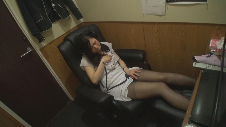 40人性欲剥き出しオナニー 個室ビデオ盗撮8時間 画像 12