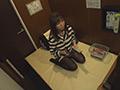 40人性欲剥き出しオナニー 個室ビデオ盗撮8時間のサムネイルエロ画像No.6