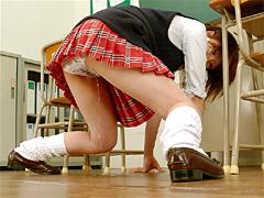 尿意多感な女子校生