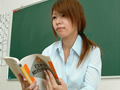 教壇で漏らした女教師サムネイル6