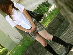 女子校生のおもらし下校
