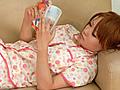 ロリ少女の尿飛沫サムネイル6