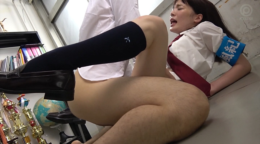 風紀委員長のお仕事。001 鈴村あいり