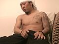 ガチムチボディーのヤンキー兄貴がオナニーと思いきや 画像 3