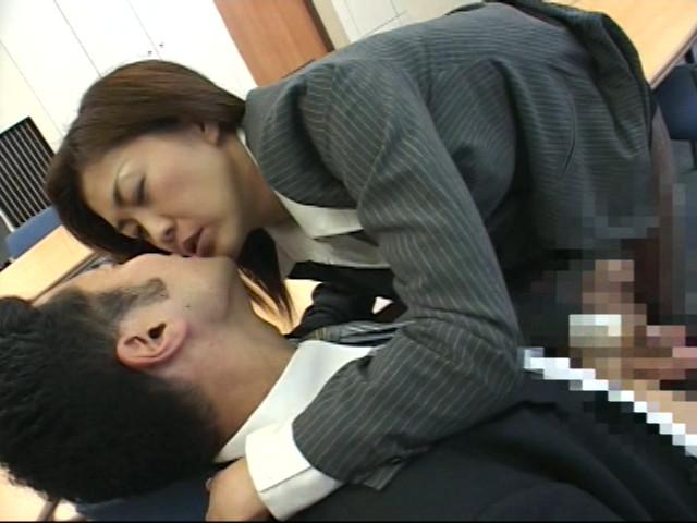接吻OL~キスしてあげるのサンプル画像