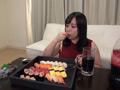 ぽっちゃり美女はよく食ってよく出す! 餅田ササピリカのサムネイルエロ画像No.1