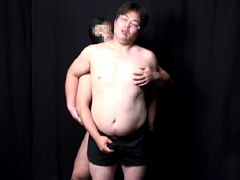 【ゲイ 射精 動画】密室強制射精 vol.2 鬼畜カメラマンVSハーネスの男2