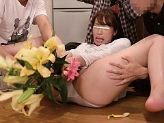 異物挿入オナニーに狂った若妻をパンツ固定して放置