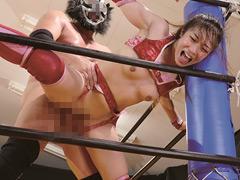 筋肉:筋肉美少女プロレスラー愛弓 痛恨の危険日直撃!