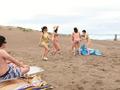 普通のビーチがヌーディストビーチに見えるメガネ-0