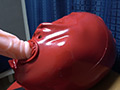 Rubber Enclosure Fetish~M字開脚拘束具ラバー責め~のサムネイルエロ画像No.3