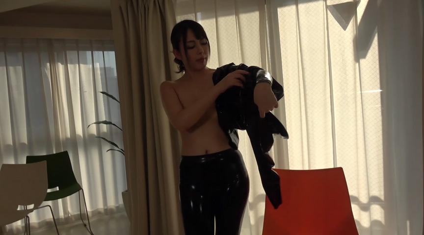 Rubber Suit Lovers~妖艶で卑猥なラバーフェチ美女の日々~