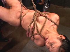 SMレズビアン 刺青と拷問