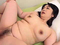 デカチチデカケツの四十路妻がAVデビュー! 香川彩香