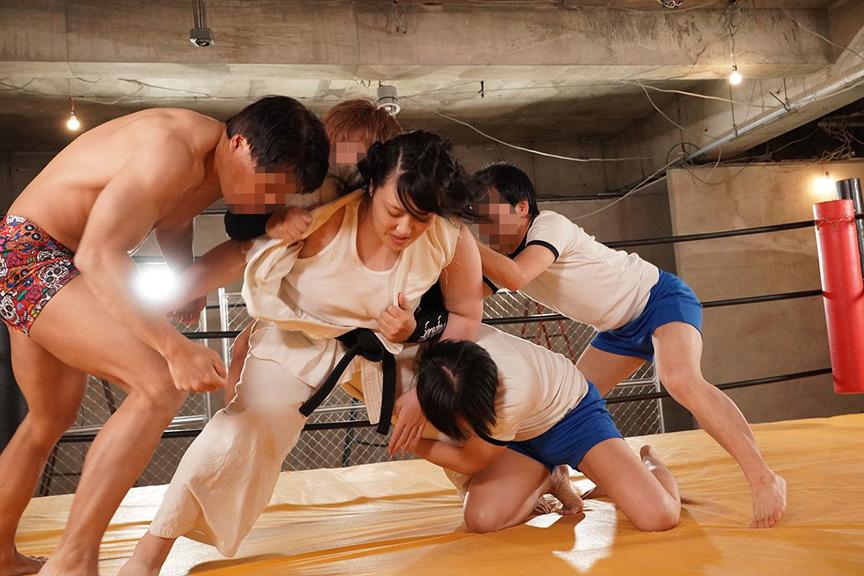 俺は!女コング 柔道5段、バーリトゥード超重量級世界チャンピオン その怪力を御してレイプ!レイプ!レイプ! 連続中出し合計7発! 5枚目