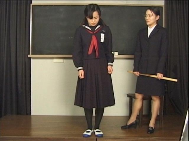 お尻叩きと浣腸で躾られた女生徒の記録 vol.2 画像 1