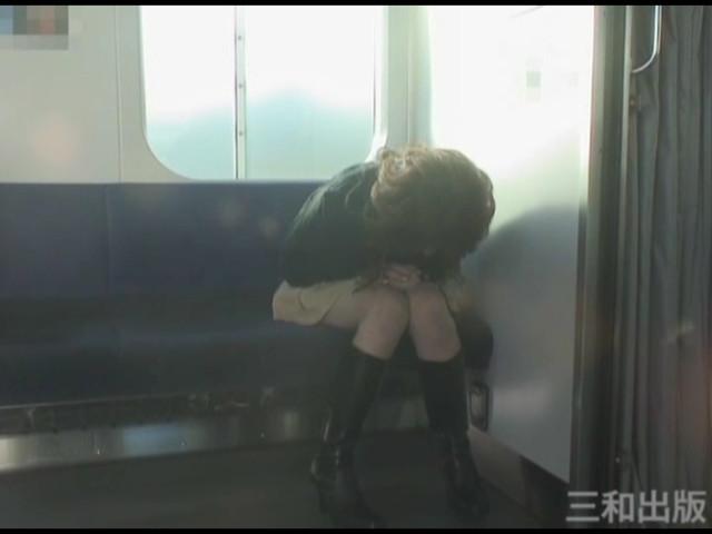 失禁120分 失便ガマン料理/鉄道ホーム失禁 画像 1