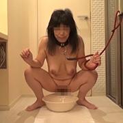 【動画】素人投稿 奴隷夫人 PART3 奉仕奴隷夫人・いずみ