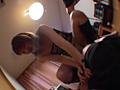 素人娘ブーツでチ○ポ踏み潰し&破壊3のサムネイルエロ画像No.9
