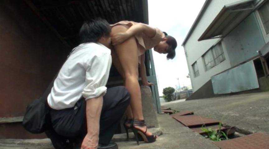 ルックス抜群の変態ドM女子たちが、露出でオマ●コぬるぬる… 4時間スペシャル 4枚目