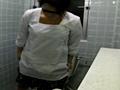 給食センターで働くおばちゃんの尿検査用採取盗撮映像5 の画像5