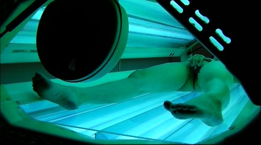 日焼けマシーン中にオナニーはじめちゃった女の子たちのサンプル画像7