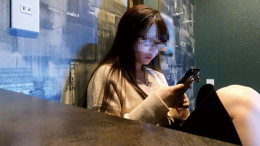ネットカフェでオナニーする女達盗撮編 画像 3