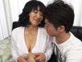 イケメンを連れ込みセックスを楽しむイケナイ人妻2-0