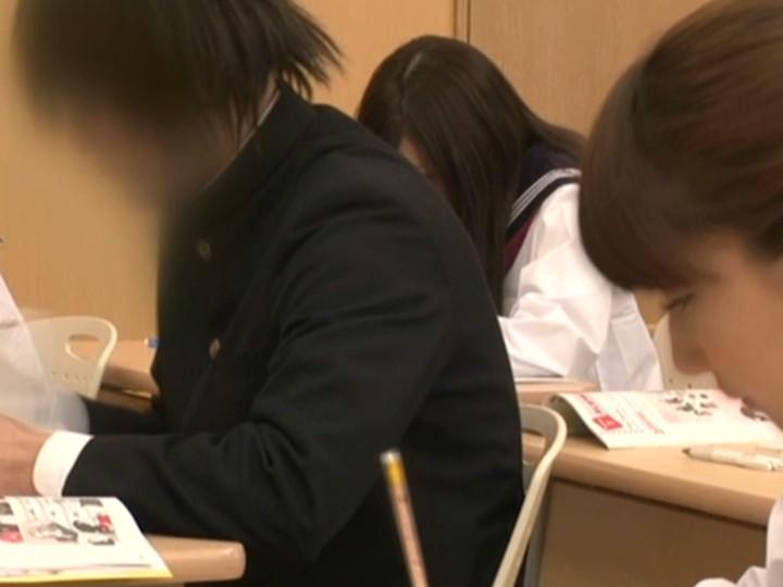 思春期の女子校生には恥ずかし過ぎる校則 校則第7条のサンプル画像